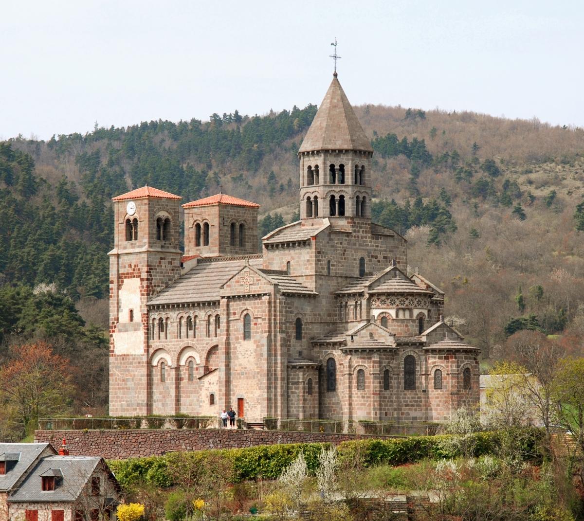 In Alvernia le chiese danno le spalle
