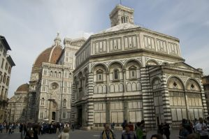 Firenze / Florence - Piazza del Duomo - View ESE on Battistero di San Giovanni / Baptistery of St. John 1059-1128 - Florentine Romanesque