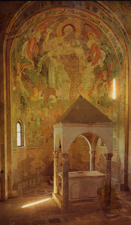 TuscaniaAbside1