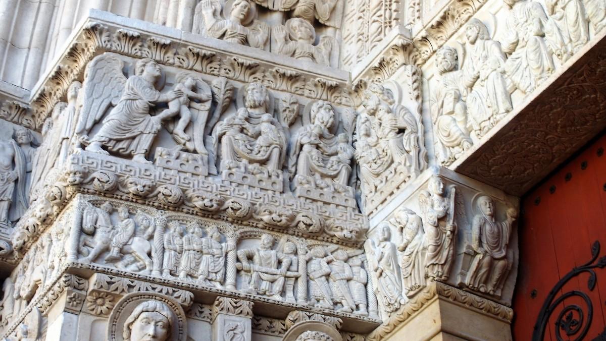 Ad Arles il portale parla latino antico