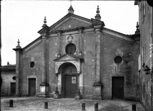 La facciata pre-restauro